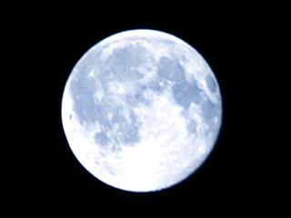 Moon090905